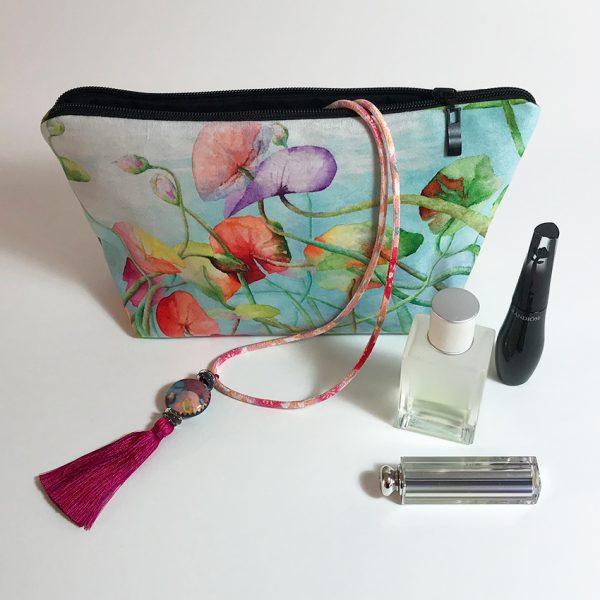 Pochette textile et bijoux créations de Jordane Desjardins